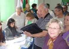 idosos-recebem-mais-credenciais-de-estacionamento-em-florianopolis
